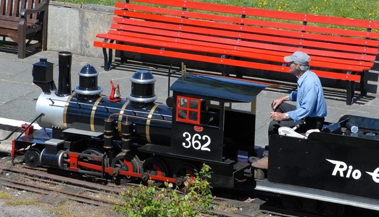 Lakeside Miniature Railway - Miniature Railway in Southport