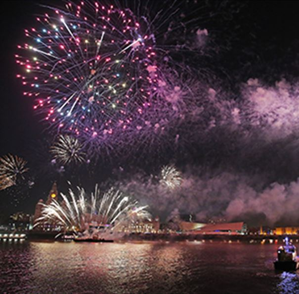 Your Guide to River of Light 2018: Fireworks in Liverpool