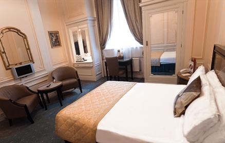Double Rooms at the Adelphi Hotel