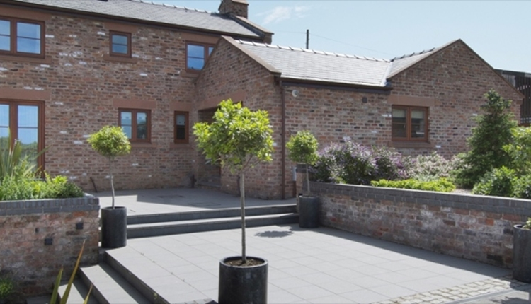 Herons Well Cottage West Kirby 5* Gold